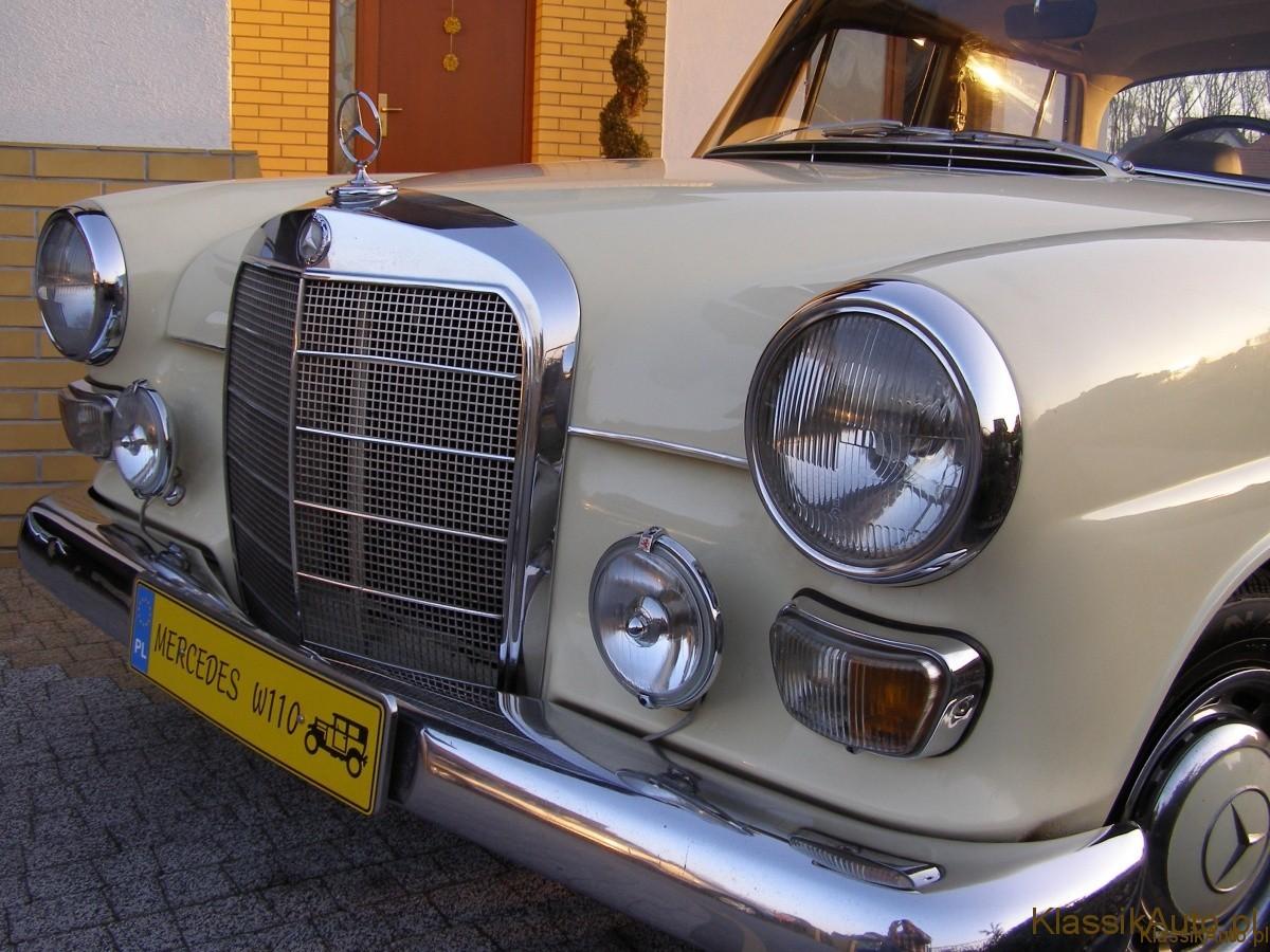 """Mercedes-Benz W110. Zabytkowy """"skrzydlak""""."""