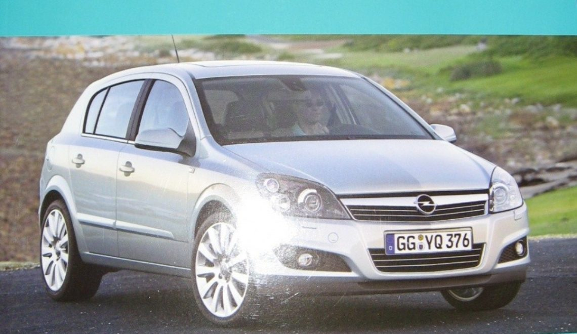 """Opel Astra III i Zafira II"", H. R. Etzold, WKŁ, 2011r."