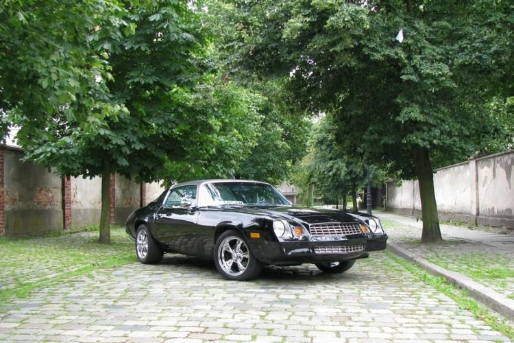 Samochód klasyczny Chevrolet Camaro (5)