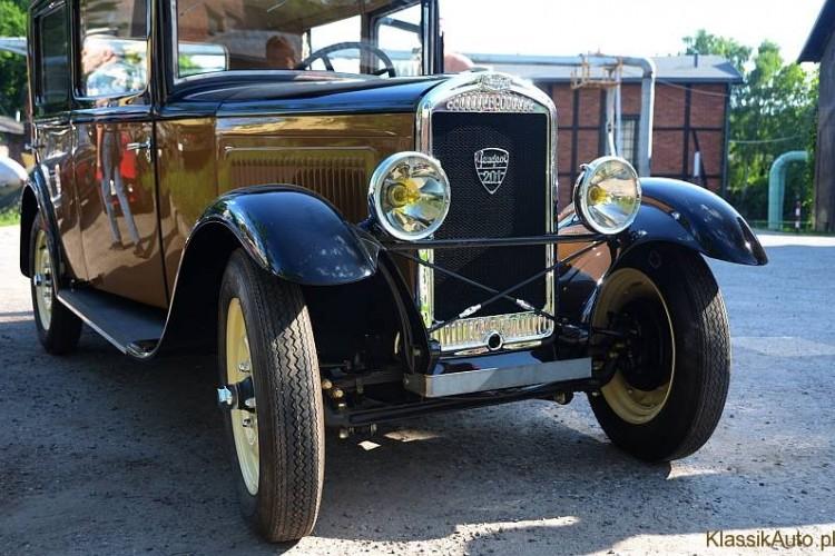 A Peugeot_201_06