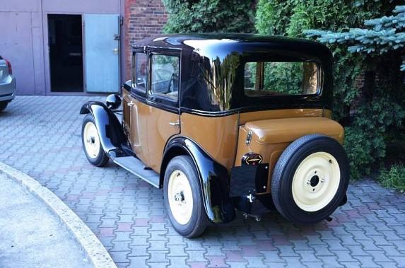 Peugeot_201_04