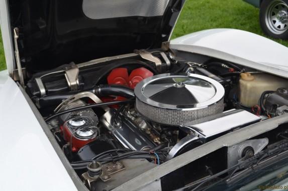 Chevrolet Corvette (2)