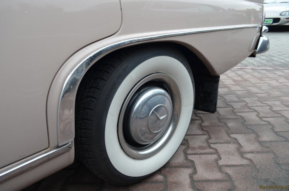 Mercedes w110 (6)