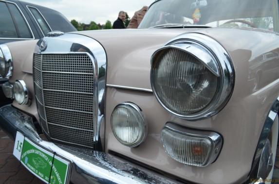 Mercedes w110 (9)