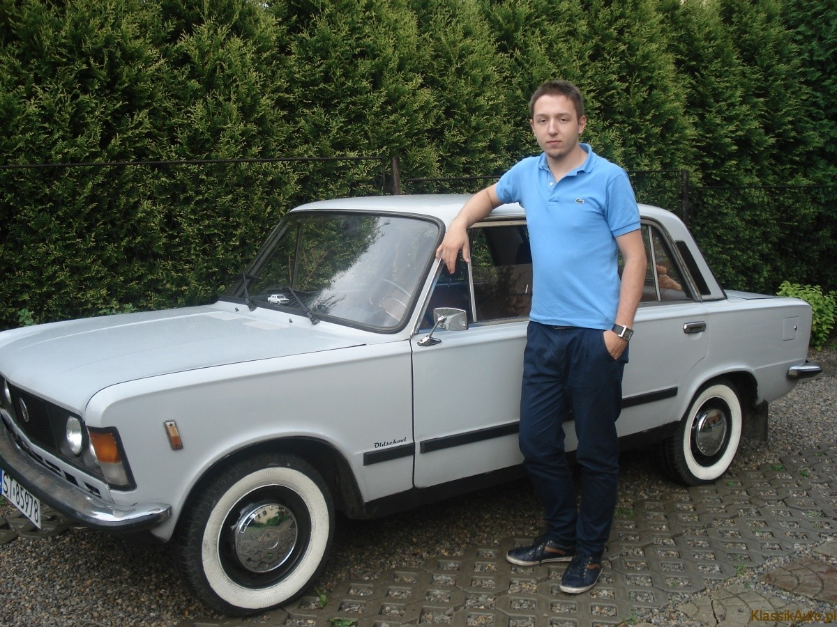 Dzielnie walczy z zębem czasu: duży Fiat.