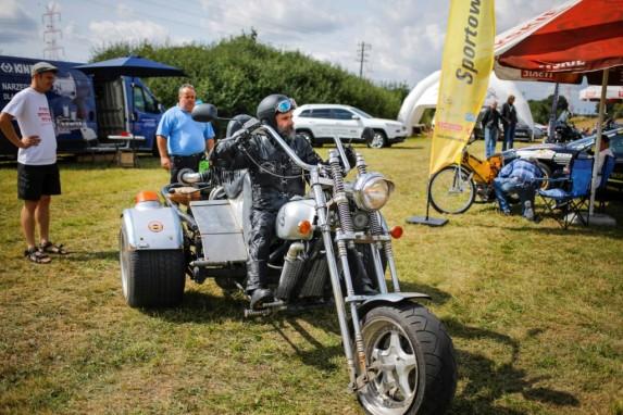 Piknik z motoryzacją w Wirach (1)