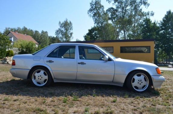 Mercedes w124 500E (9)