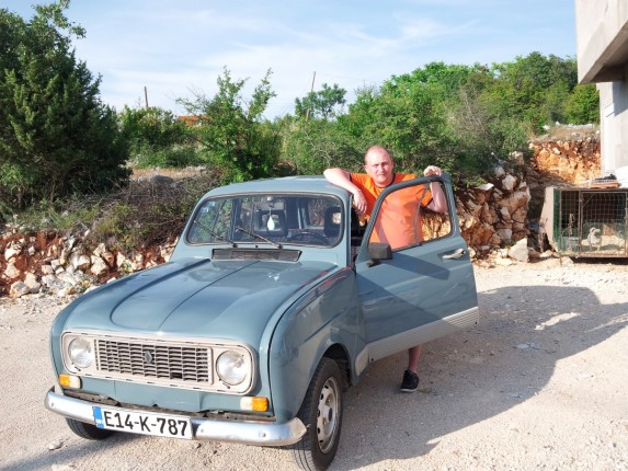Renault 4 4 (1)