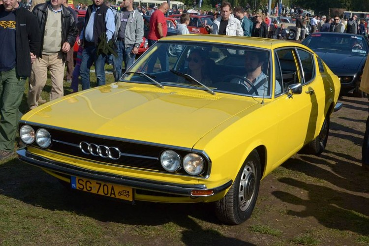 Audi 100 1