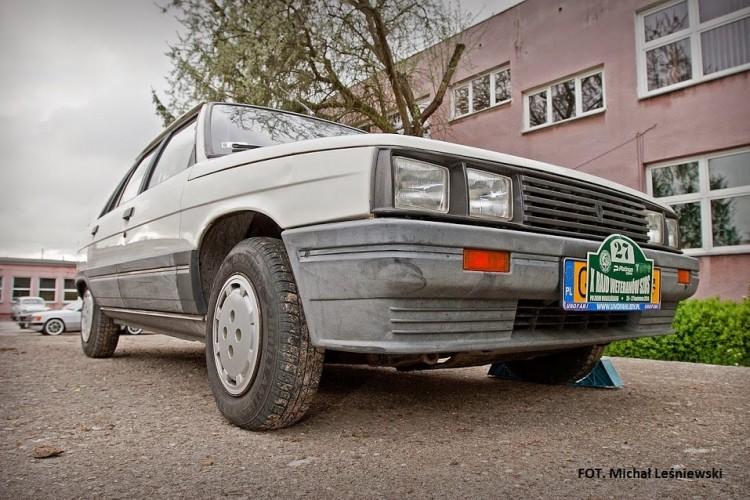"""""""Nudny jak flaki z olejem, ale…"""": Renault 11 GTL."""