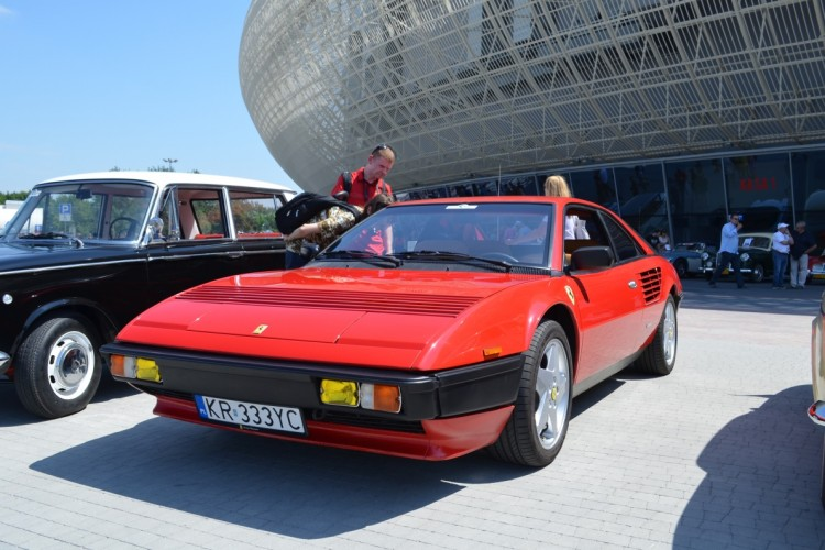 Pininfarina od lat rzeźbi te nadwozia: Ferrari Mondial.