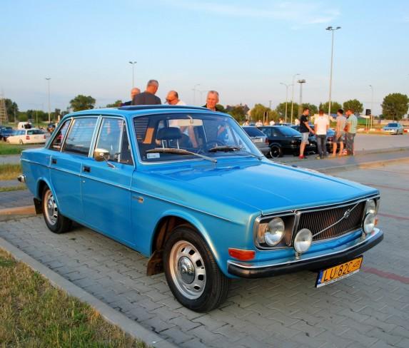 Volvo 144 (1)