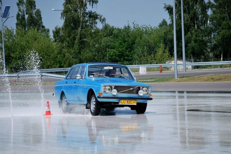 Volvo 144 (2)