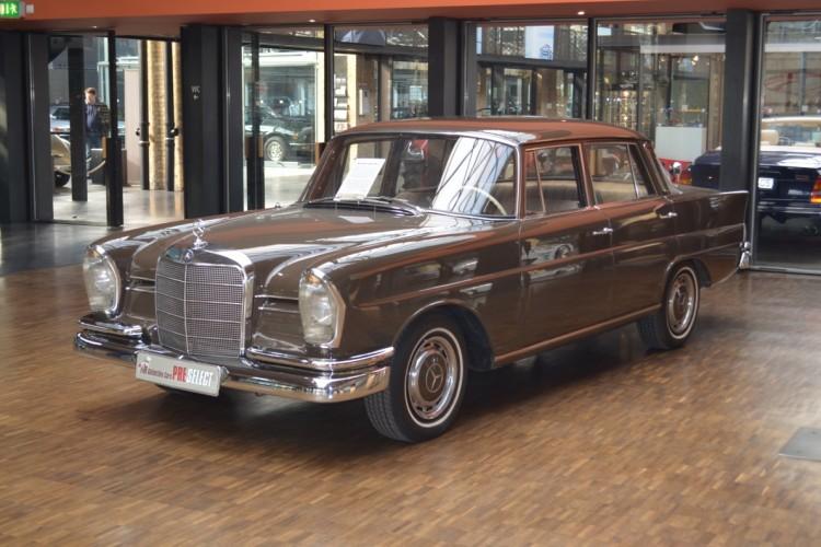 Luksusowy i bezpieczny. Pożądany klasyk: Mercedes-Benz W111.