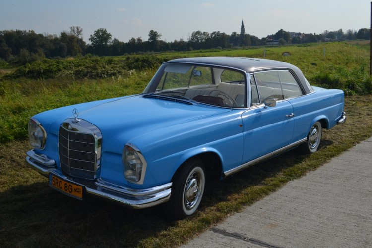 mercedes-w111-coupe-10
