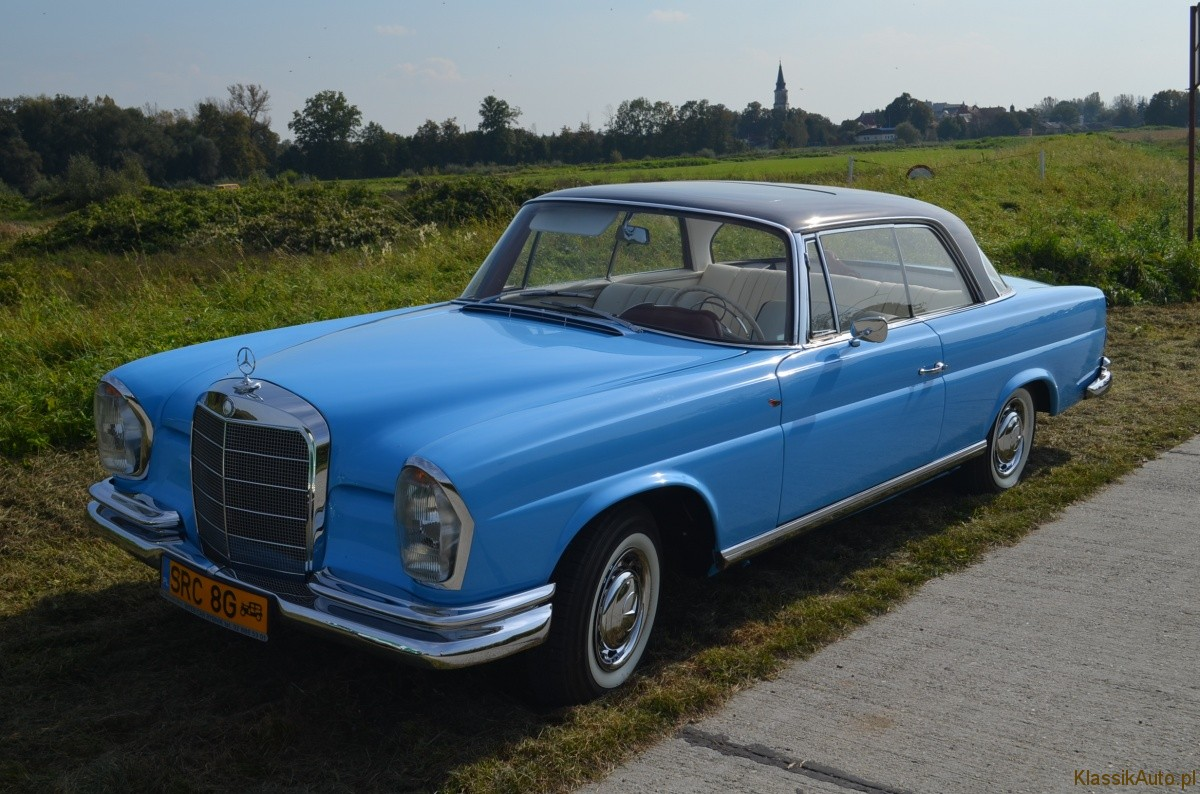 Mercedes-Benz W111 coupe