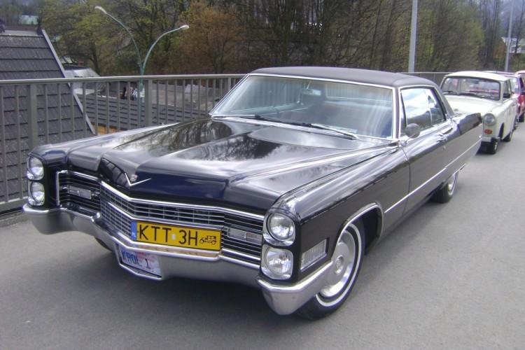 03. Scechura Marek [PL] - Cadillac De Ville_Coupe [1966]