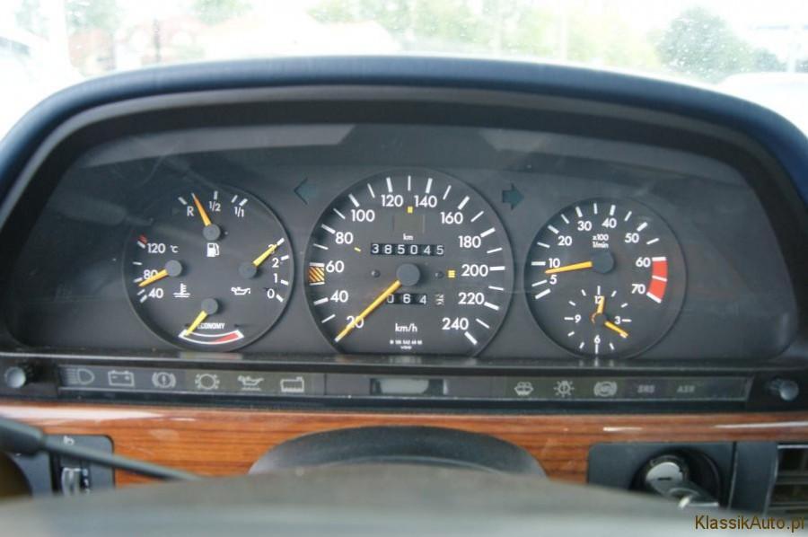 17_Mercedes-S-klasa-W126-500-SE-zabytkowy-klasyk-1989r-kolekcjonerski-pelna-opcja_900x700