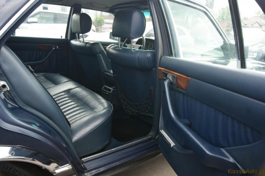 19_Mercedes-S-klasa-W126-260-SE-zabytkowy-1986r-kolekcjonerski-full-opcja_900x700