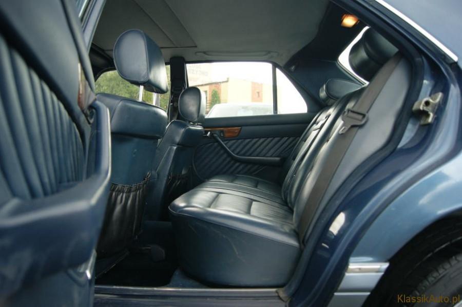 9_Mercedes-S-klasa-W126-500-SE-zabytkowy-klasyk-1989r-kolekcjonerski-pelna-opcja_900x700