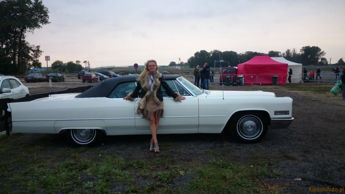 Women Cadillac (1)