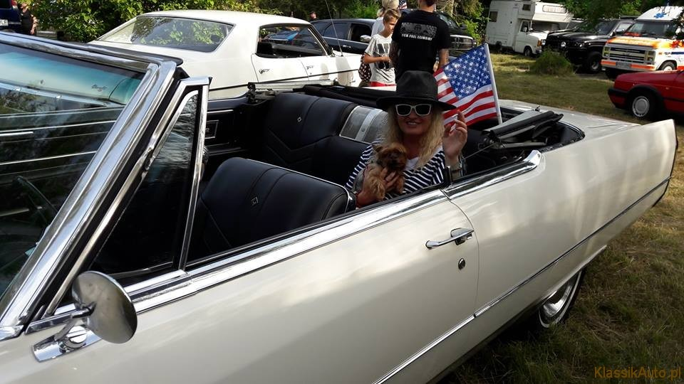 Women Cadillac (23)