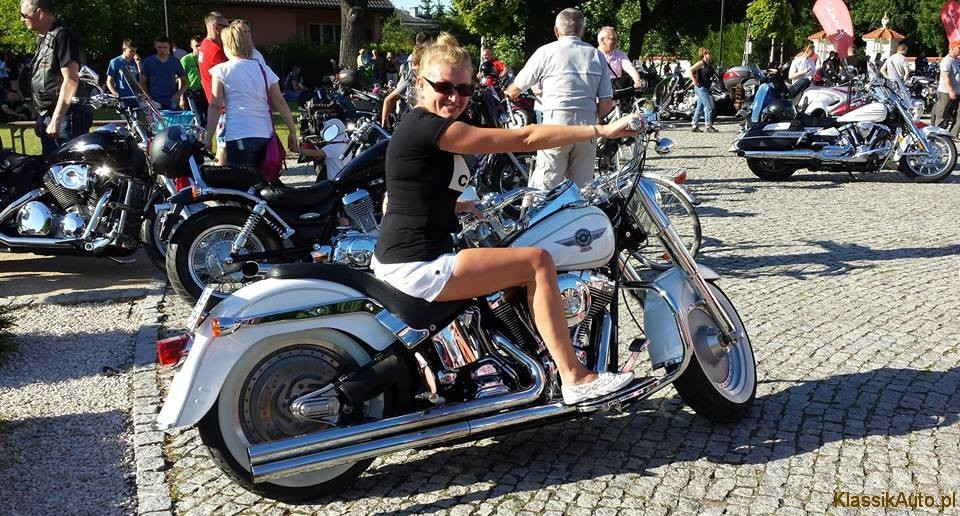 Women Cadillac (4)