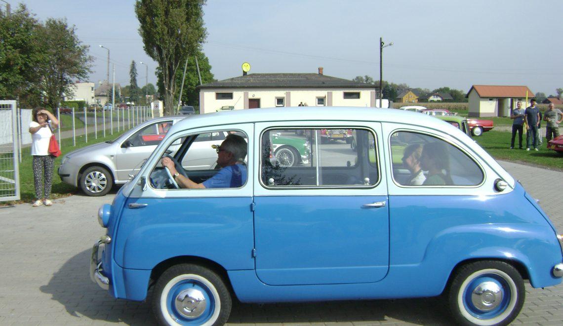 Z przodu spłaszczona, z tyłu jeszcze całkiem dobra: Fiat 600 Multipla