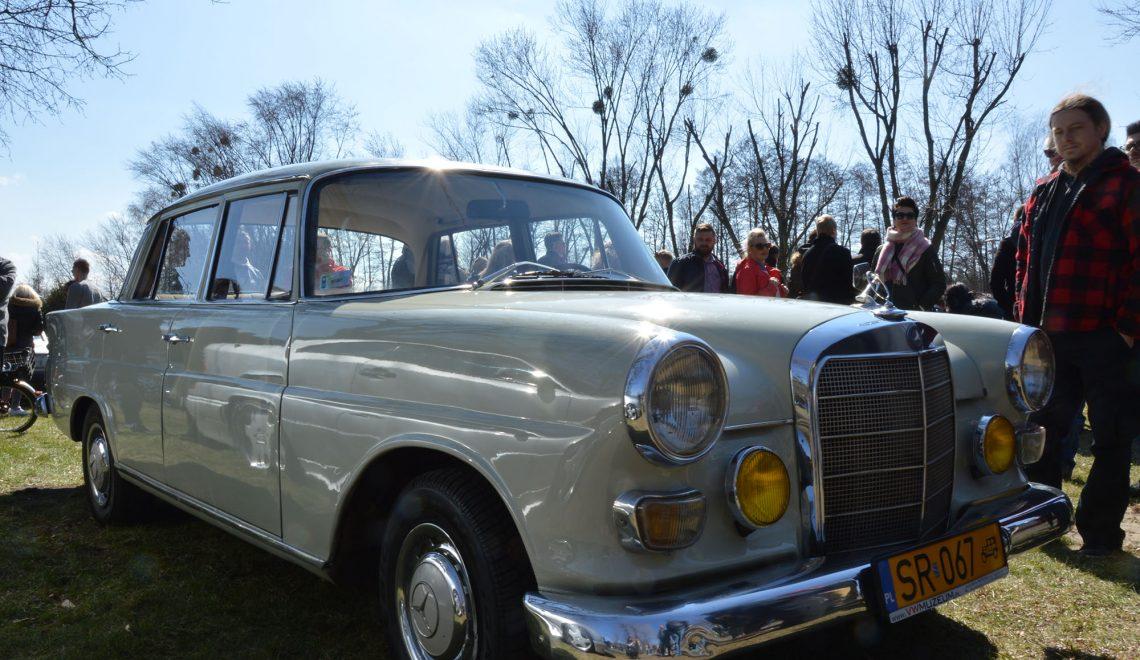 Lany Poniedziałek z Mercedesem :)