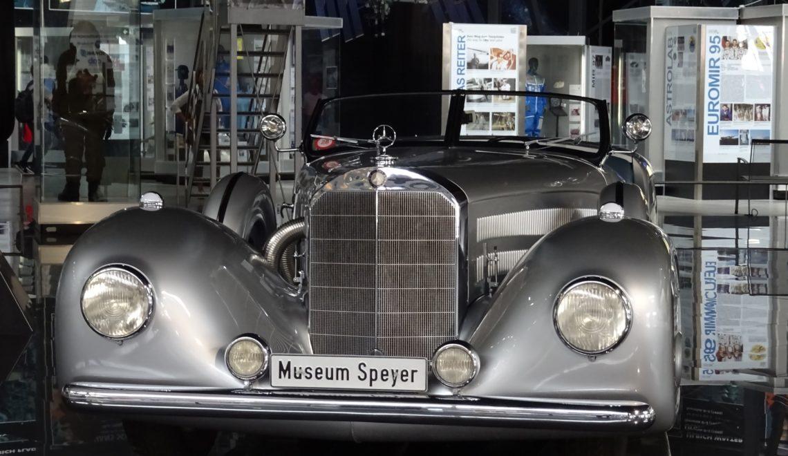 Do kogo należał taki super Mercedes?