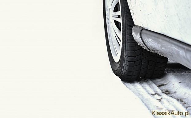 Zanim zimą wyruszysz swoim samochodem na zagraniczne wojaże, lepiej to przeczytaj!