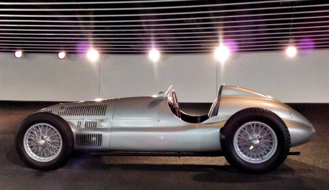 Wyścigowe legendy Mercedesa / Mercedes Legends