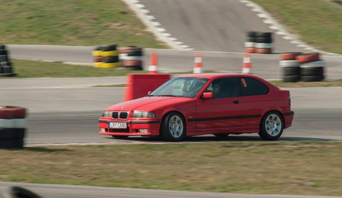 Czy to nie niszczy samochodu? BMW 328 Compact