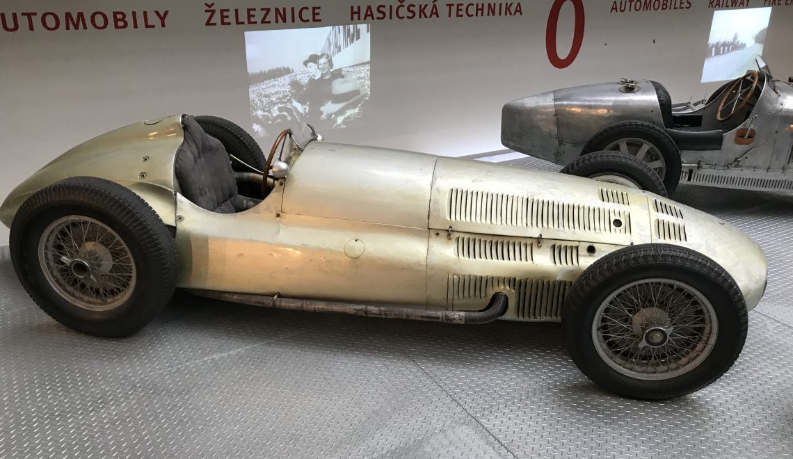 Super racing car: Mercedes Benz W154, 1938/1939
