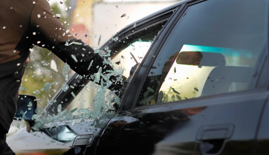 Ubezpieczenie samochodu od kradzieży — czy warto je wykupić?