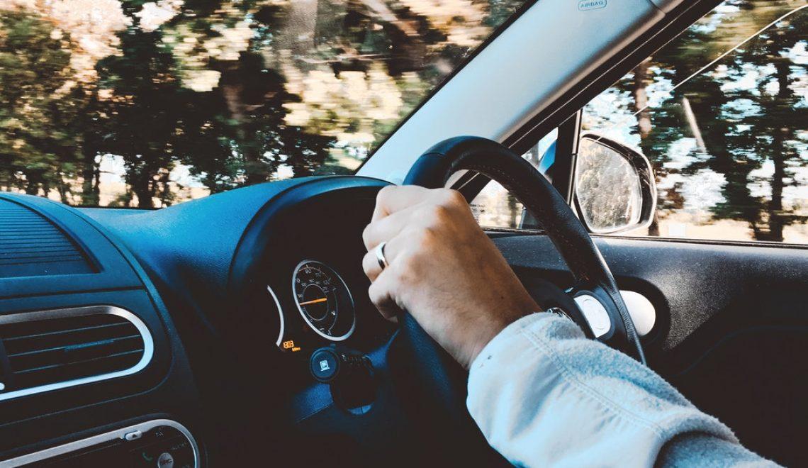 Samochód z wypożyczalni aut, czyli o czym należy pamiętać przy wynajmie