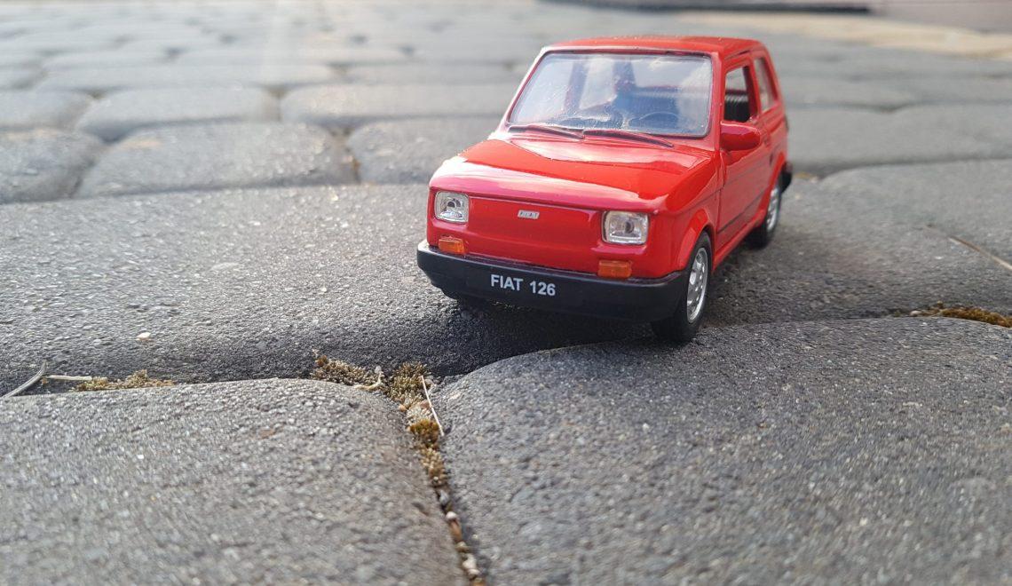Kultowy samochód: Fiat 126p Elegant