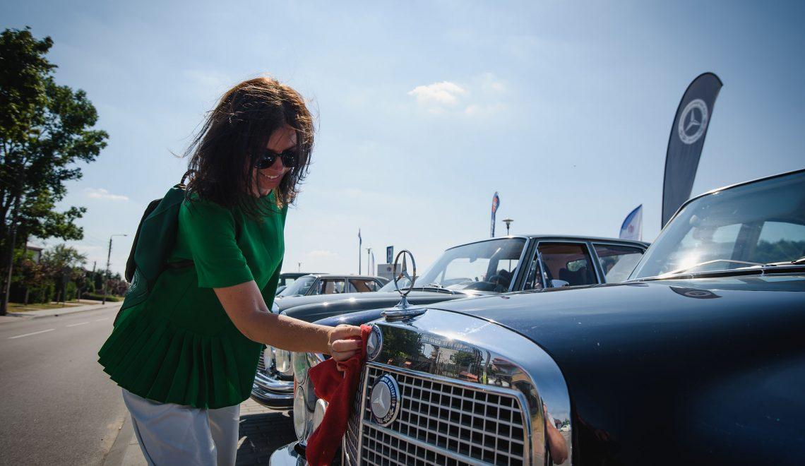 Miłośniczki klasycznych Mercedesów spotkały się w Janowie Podlaskim
