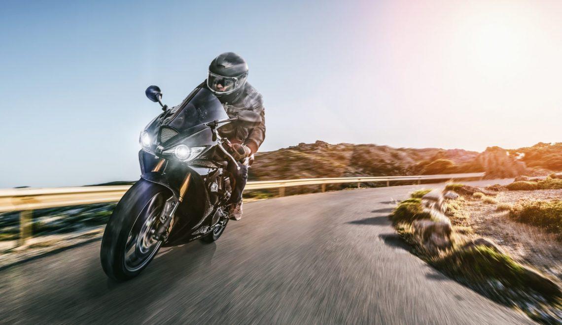 Podróżując z wiatrem w włosach – najpopularniejsze motocykle