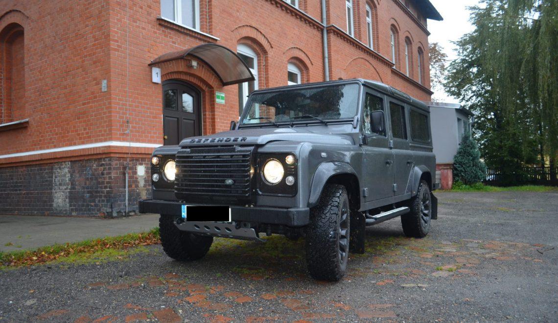 Land Rover Defender Black – ostatnie wcielenie legendy